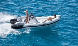 Cayman 18 Sport